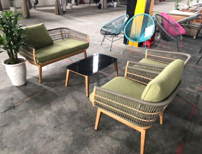 Khi lựa chọn bàn ghế gỗ sân vườn đẹp cần chú ý đến công năng sử dụng