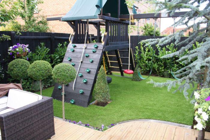 Tấm nhựa giúp giảm lượng nước dư thừa khi làm vườn trên mái nhà