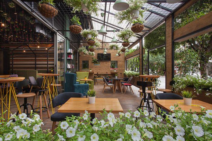 Nên lựa chọn dịch vụ thiết kế nhà hàng sân vườn của VTOP