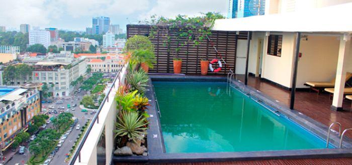 Thiết kế sân thượng có hồ bơi