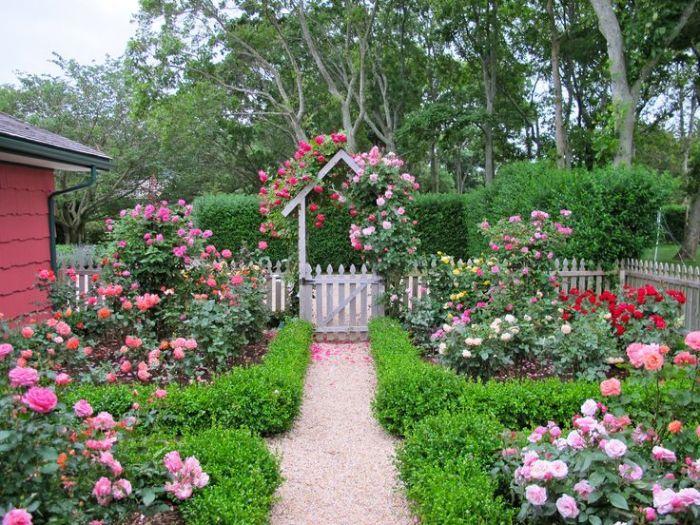 Thiết kế vườn hoa trước nhà đang trở thành xu hướng