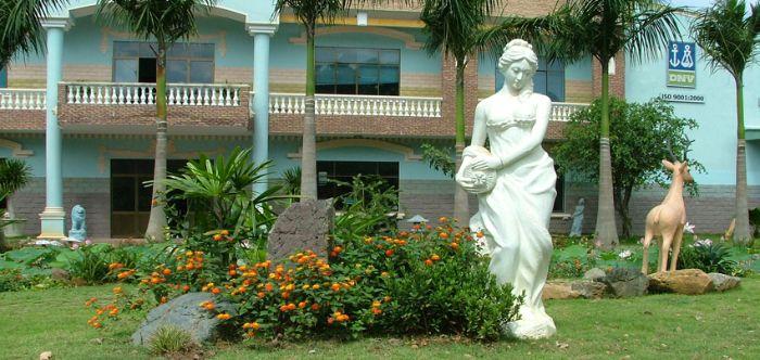 Thiết kế vườn có tượng trang trí là mô hình kiến trúc được nhiều gia chủ lựa chọn